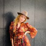 Women's Styling Tips For Dating Profile Photoshoots
