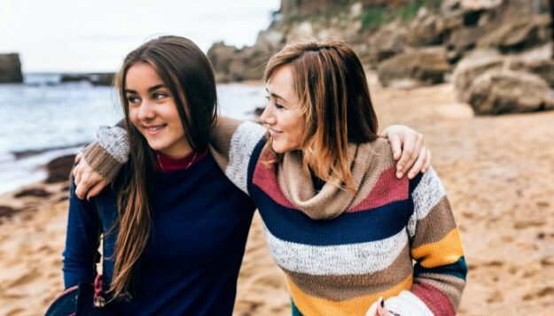 8-ways-you-can-help-build-your-daughter's-self-esteem-&-confidence