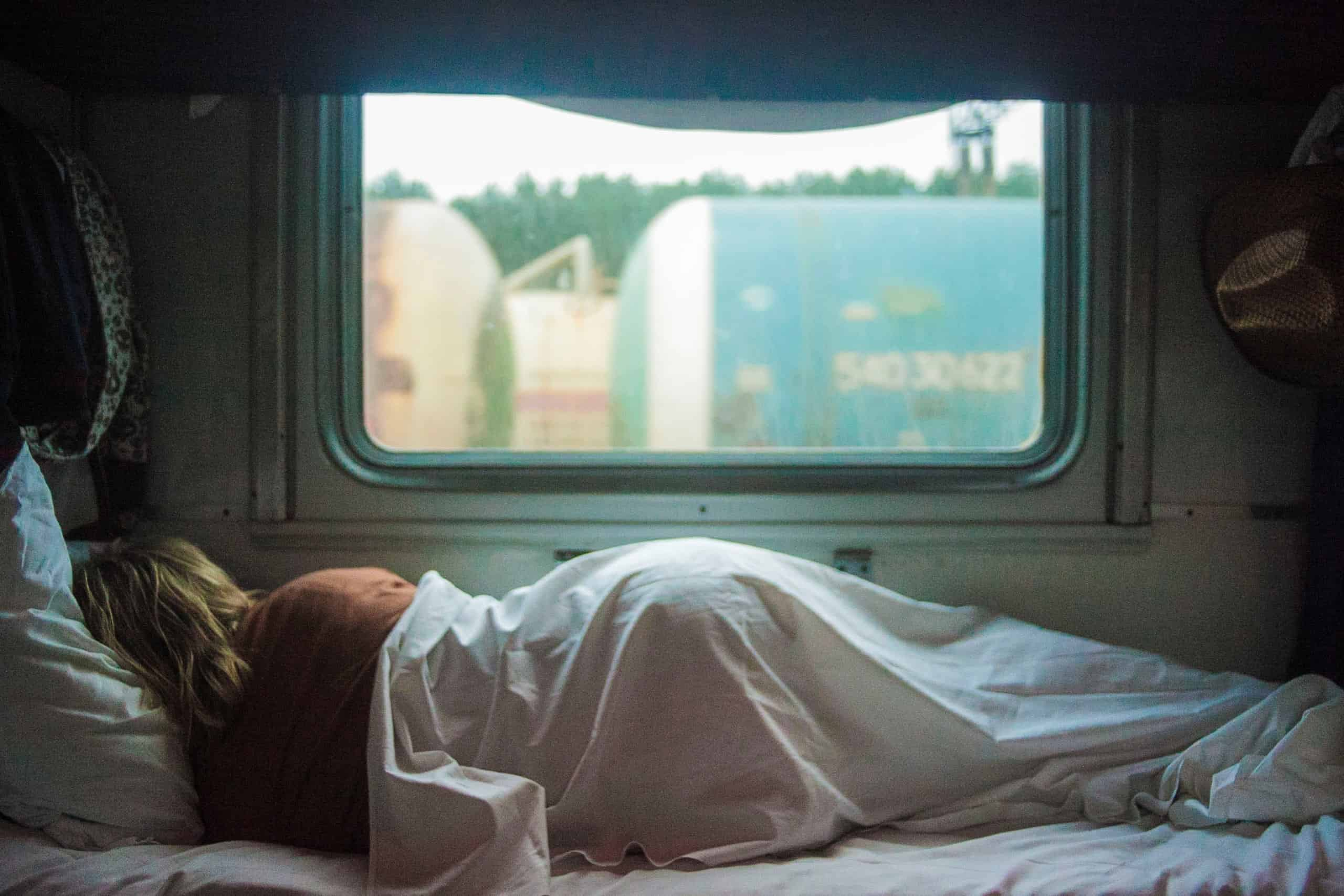 how-to-fix-your-sleep-schedule-and-feel-more-well-rested