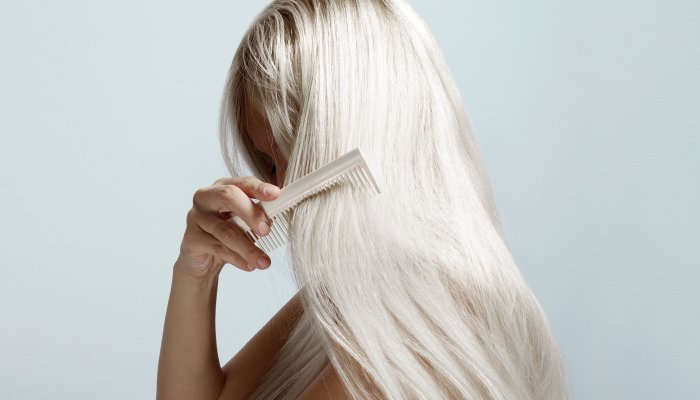 here's-what's-actually-causing-your-oily-roots-&-what-to-do-about-it