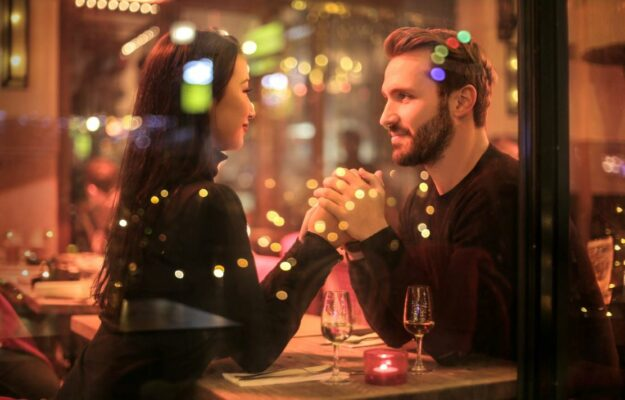 dating-vs.-relationship:-13-differences-and-what-the-title-really-means