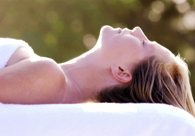 should-you-meditate-while-lying-down?-here's-the-scoop