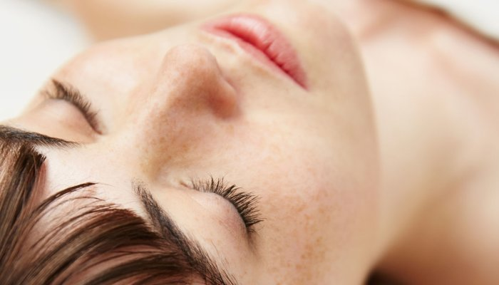 the-surprising-makeup-product-for-long-lashes-&-wide-awake-eyes-(not-mascara!)