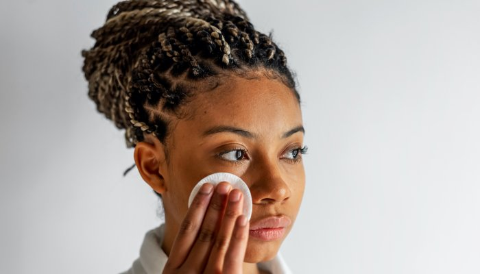 this-skin-care-winner-can-moisturize-&-remove-stubborn-makeup-at-the-same-time