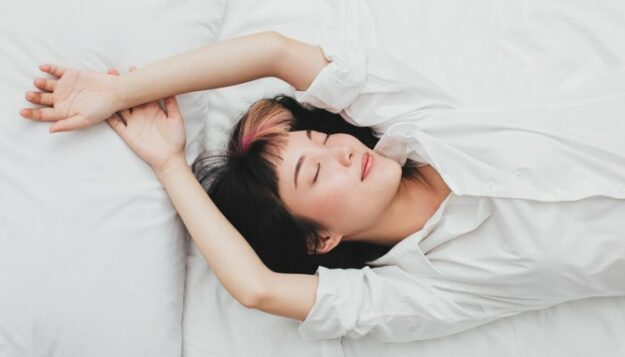 signs-your-melatonin-isn't-actually-working-for-you-&-what-to-try-instead