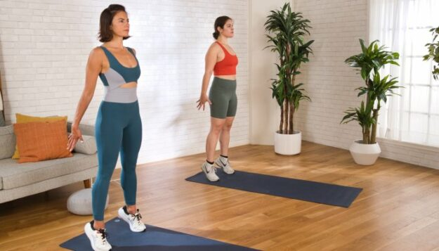 this-5-minute-pilates-hiit-workout-will-build-major-strength-&-heat-in-your-body