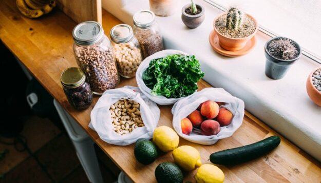 5-sustainable-snack-websites-for-stocking-your-healthy-eco-pantry
