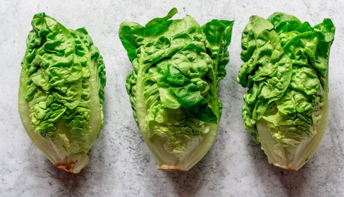 to-fall-asleep-faster,-people-are-preparing-lettuce-this-strange-way
