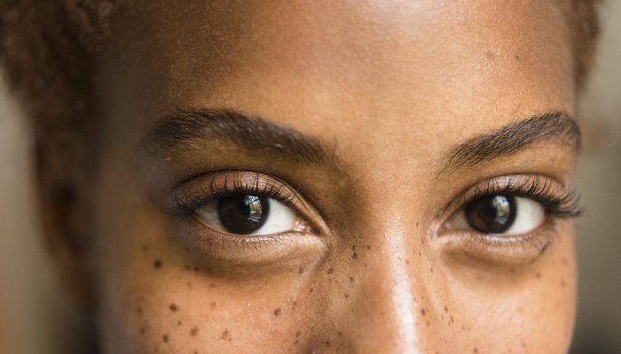 i'm-a-neuro-ophthalmologist:-here-are-5-ways-to-support-your-eye-&-brain-health
