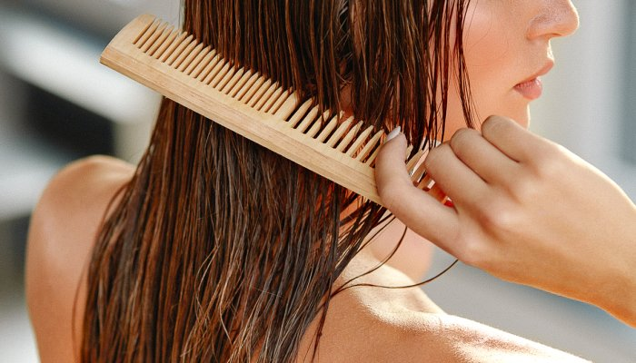 this-classic-kitchen-staple-is-beloved-for-thick,-lush-hair:-here's-a-diy-rinse