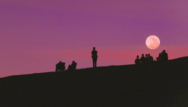 how-to-navigate-thursday's-powerful-full-moon,-based-on-your-sign