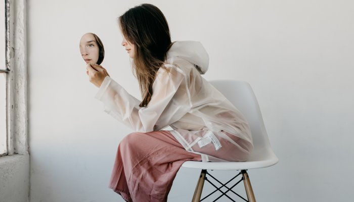 i'm-a-behavioral-scientist-&-these-3-beauty-habits-are-harming-your-skin
