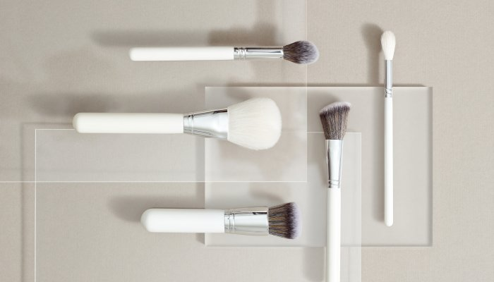 are-your-makeup-brushes-frayed-&-spiky?-this-trick-can-help-them-stay-soft