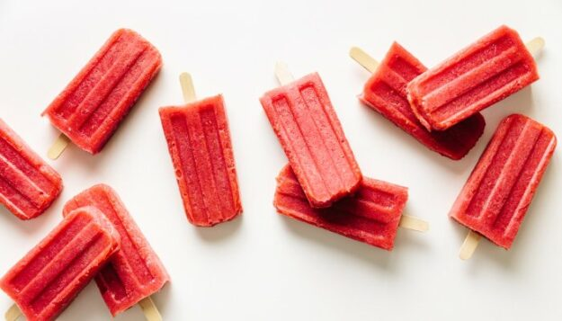 the-genius-hydration-boosting-ingredient-to-add-to-healthy-homemade-ice-pops