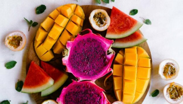5-genius-ways-to-make-your-classic-fruit-salad-way-more-protein-dense