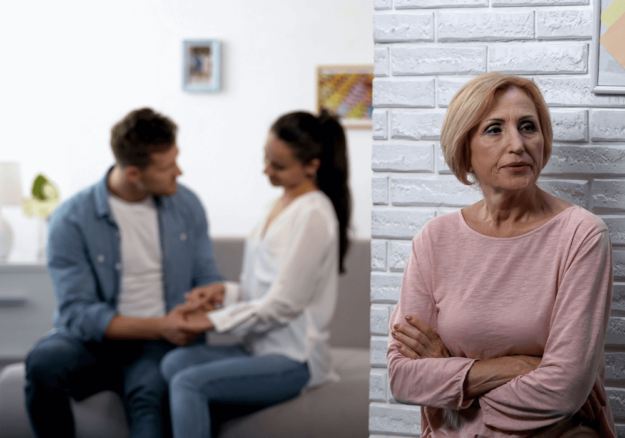 13-painful-signs-of-an-emotionally-manipulative-mother-in-law