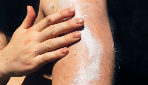 you're-probably-using-the-wrong-spf-number,-according-to-this-sun-care-expert