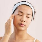 This 2-Minute Facial Massage Tutorial Can Help Ease Forehead Lines