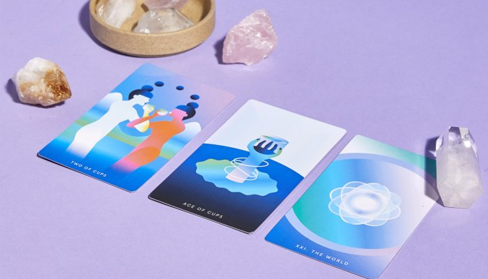 pulling-a-tarot-card-in-reverse-may-change-its-meaning:-what-to-know