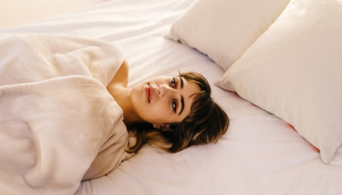 3-reasons-your-sleep-is-thrown-off-in-the-summer-+-what-to-do
