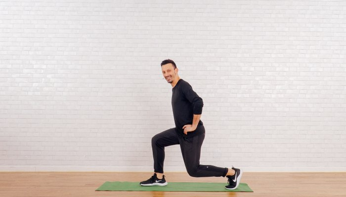 the-staple-strength-exercise-that'll-fire-up-your-glutes-&-core