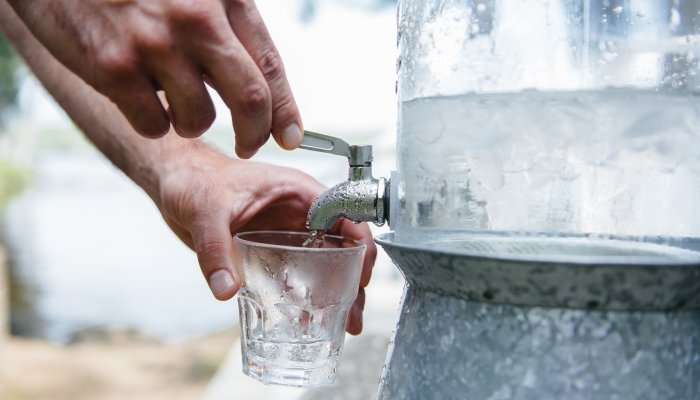 hydration-rules:-the-4-facts-&-myths-you-need-to-know-about-water