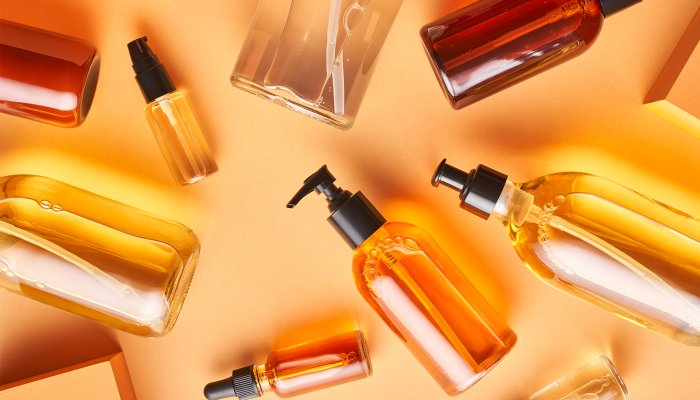 the-8-best-natural-oils-that-won't-clog-your-pores,-according-to-derms