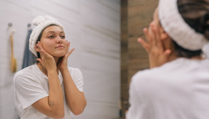 this-acne-clearing-hack-is-going-viral-—-but-does-it-really-work?