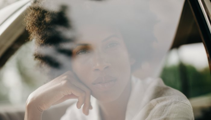 if-you've-been-exposed-to-wildfire-smoke,-here-are-6-derm-tips-to-calm-skin