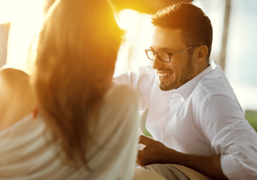 35-things-to-talk-about-with-a-guy-to-keep-the-conversation-going