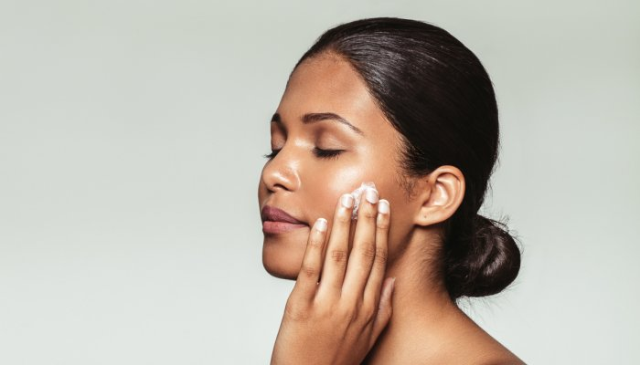 i'm-a-holistic-plastic-surgeon-&-these-are-my-3-must-have-skin-care-tips