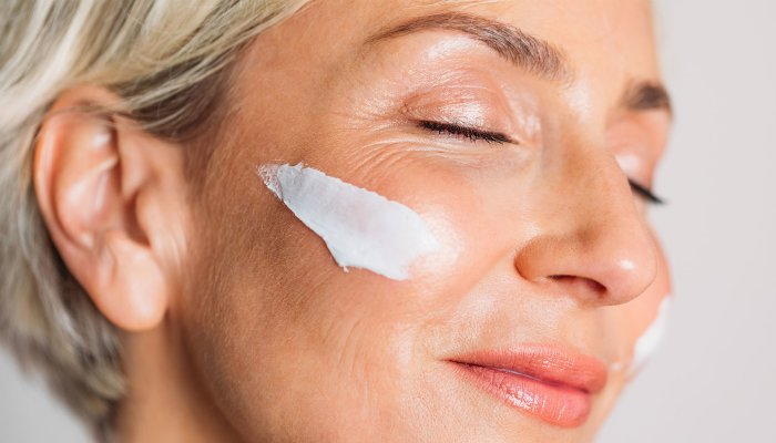 read-up:-the-best-glow-inducing-skin-care-tips-for-your-40s-&-beyond