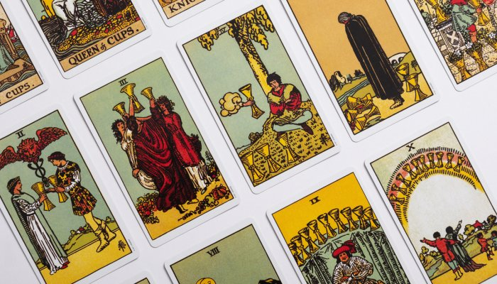 want-to-shake-up-your-life?-this-tarot-card-is-a-green-light-from-the-universe