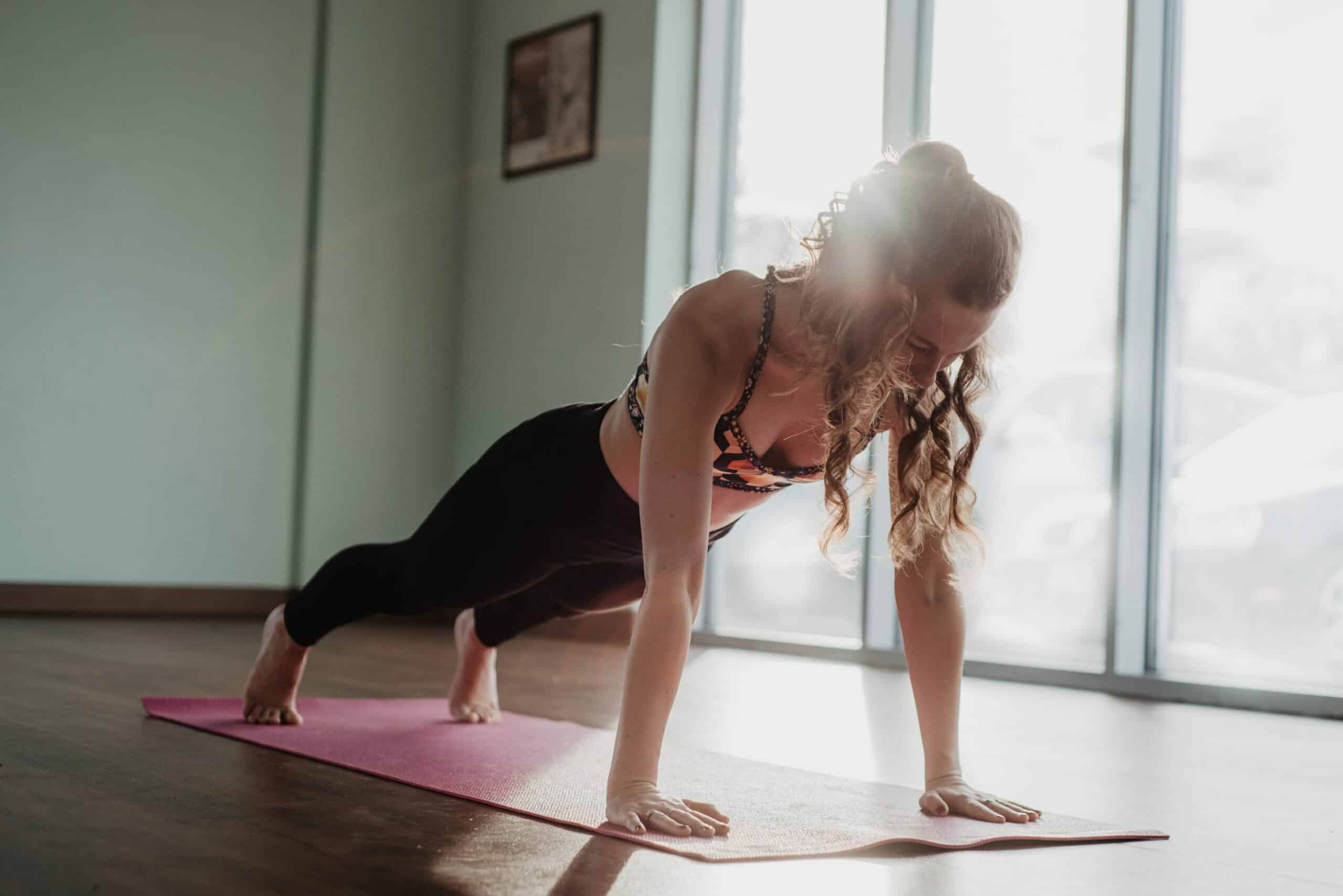 30-minute-hiit-workout-you-can-do-at-home-(without-equipment)