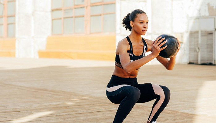 spice-up-leg-day-with-these-12-squat-variations-+-the-benefits-of-each