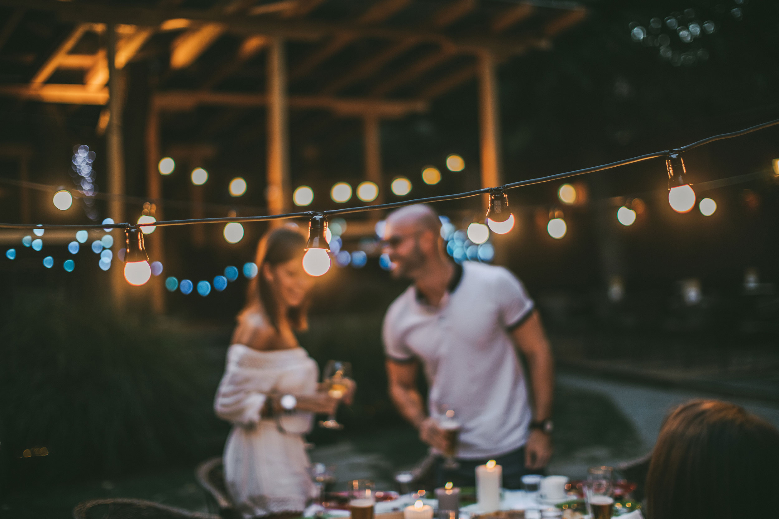red-flag/green-flag:-what-to-look-for-when-you're-dating