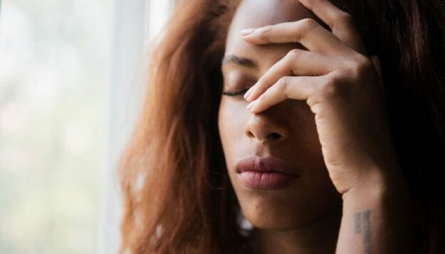 9-tips-for-dealing-with-heartache,-according-to-relationship-experts