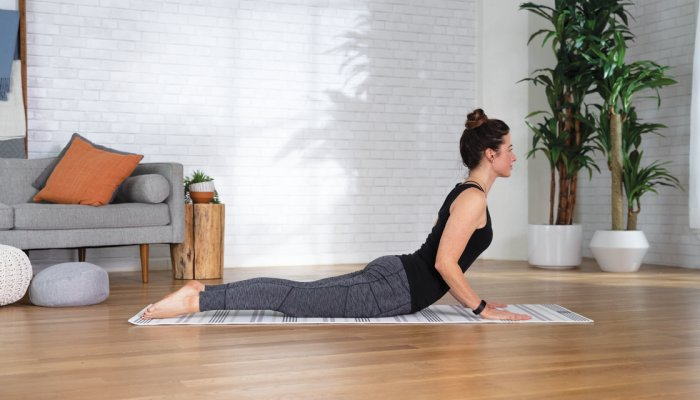 is-your-posture-a-mess?-try-this-beginner-friendly-back-stretch