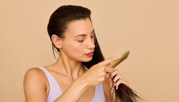 i'm-a-plastic-surgeon:-this-is-how-i-treat-all-my-patients-with-thinning-hair