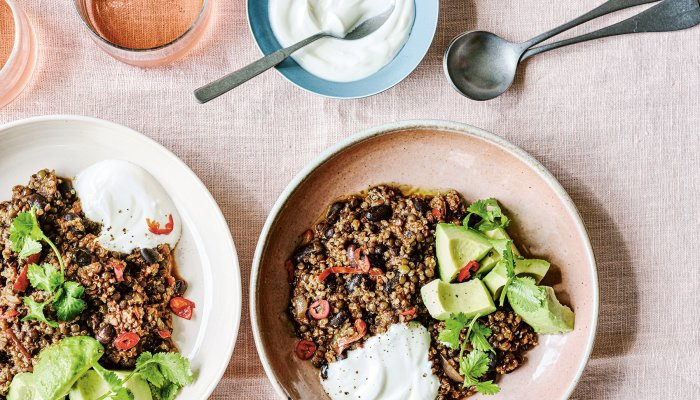 this-one-pot-chili-is-the-perfect-filling,-inflammation-fighting-meal-for-fall