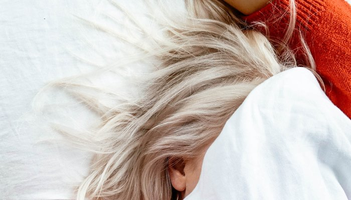7-surprising-reasons-you-wake-up-sleepy-+-a-supplement-to-help*