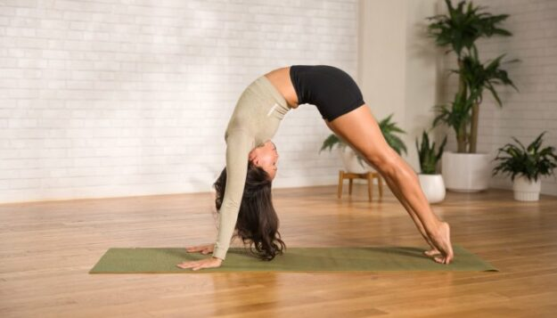 ditch-back-tightness-with-this-14-minute-spine-stretching-yoga-flow