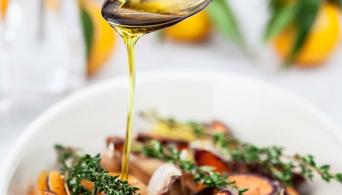 13-science-backed-benefits-of-avocado-oil-+-our-favorite-options