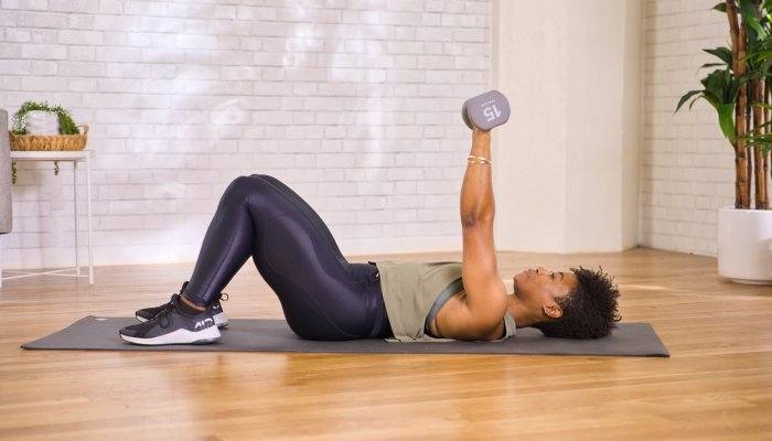 a-quick-upper-body-move-that's-sure-to-get-your-triceps-burning
