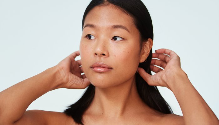 the-sneaky-reason-your-skin-dries-out-as-you-get-older