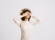 the-one-thing-you-should-never-do-when-you-feel-anxious-(it'll-backfire)