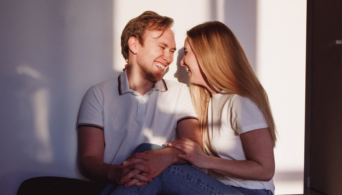 a-beginner's-guide-to-polyamory,-in-case-you've-been-curious