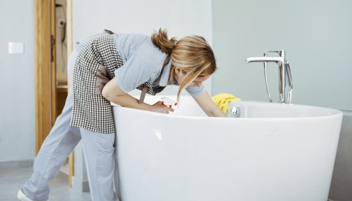 3-sneaky-signs-you-could-have-mold-in-your-home,-from-an-md