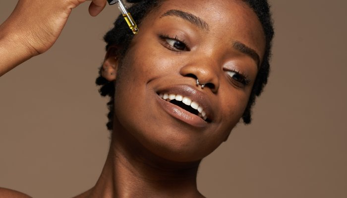 this-buzzy-skin-care-trend-promises-glowing-skin,-sans-irritation:-does-it-work?