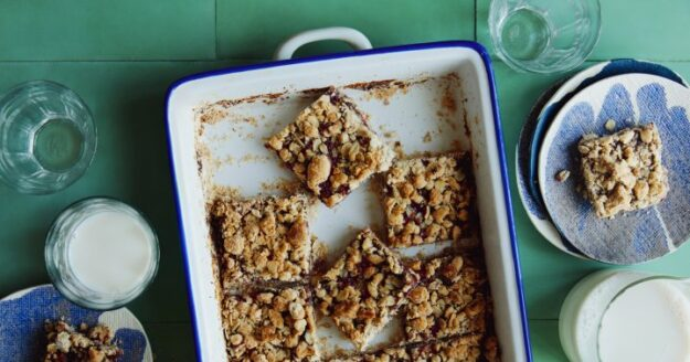 the-nutty-crumble-on-these-healthy-homemade-jam-bars-is-to-die-for